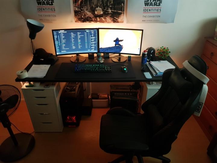 Show_Your_PC_Desk_Part189_28.jpg