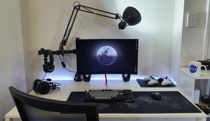 Show_Your_PC_Desk_Part189_47.jpg