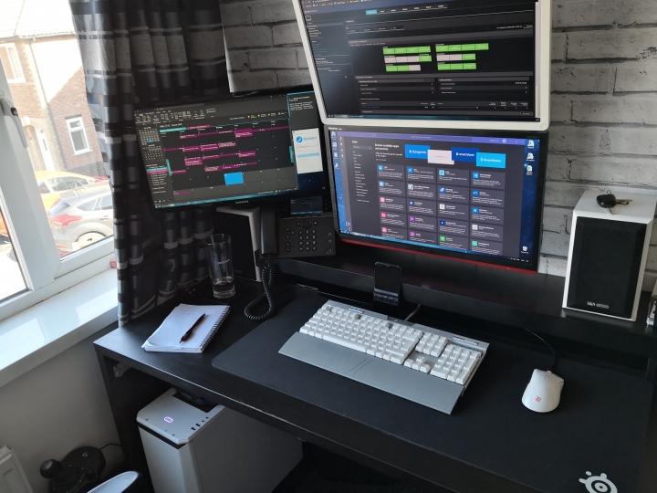 Show_Your_PC_Desk_Part189_67.jpg