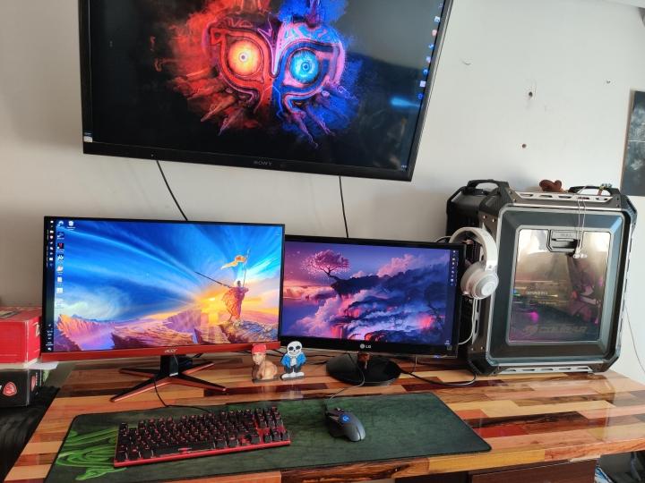 Show_Your_PC_Desk_Part189_79.jpg