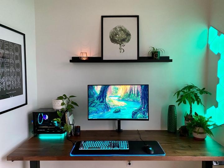 Show_Your_PC_Desk_Part190_02.jpg
