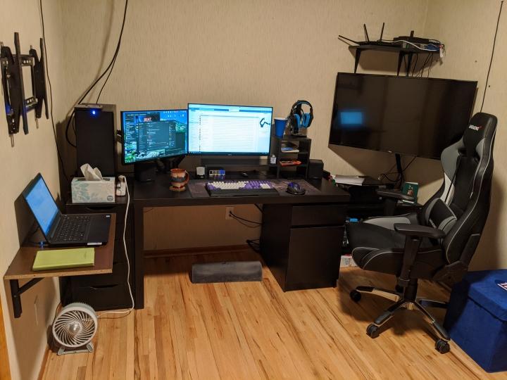 Show_Your_PC_Desk_Part190_09.jpg