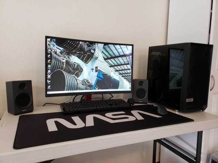 Show_Your_PC_Desk_Part190_31.jpg