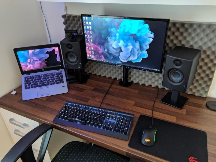 Show_Your_PC_Desk_Part190_40.jpg