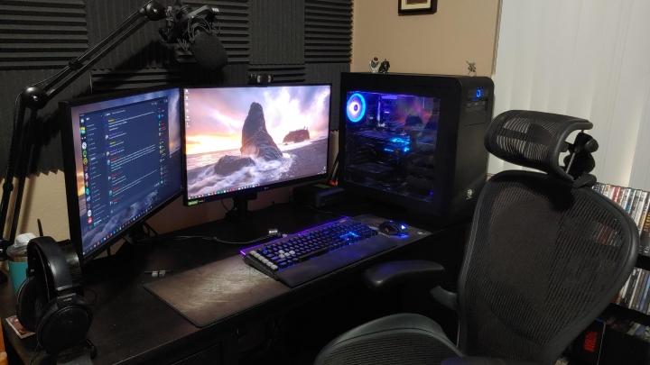 Show_Your_PC_Desk_Part190_49.jpg