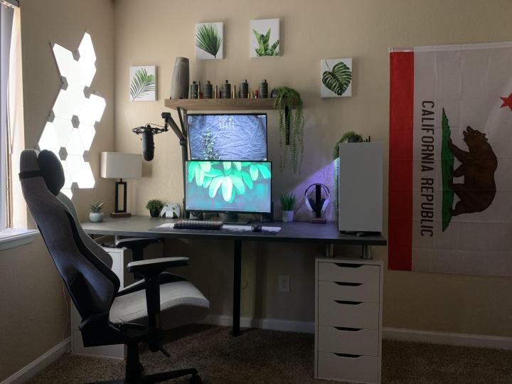 Show_Your_PC_Desk_Part190_69.jpg
