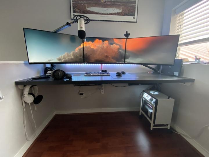Show_Your_PC_Desk_Part190_70.jpg