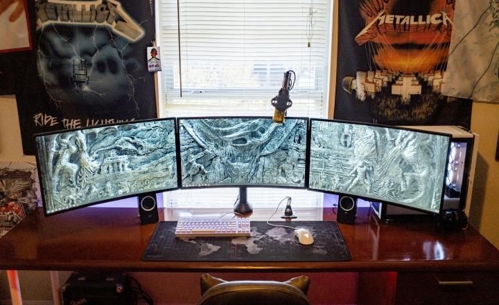 Show_Your_PC_Desk_Part190_99.jpg
