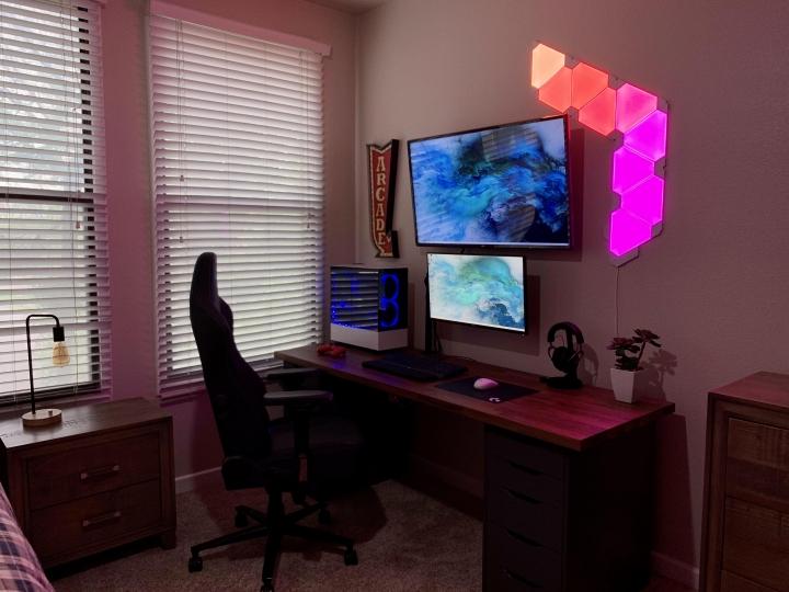 Show_Your_PC_Desk_Part191_11.jpg