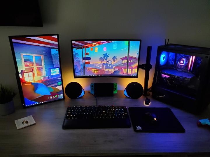 Show_Your_PC_Desk_Part191_13.jpg
