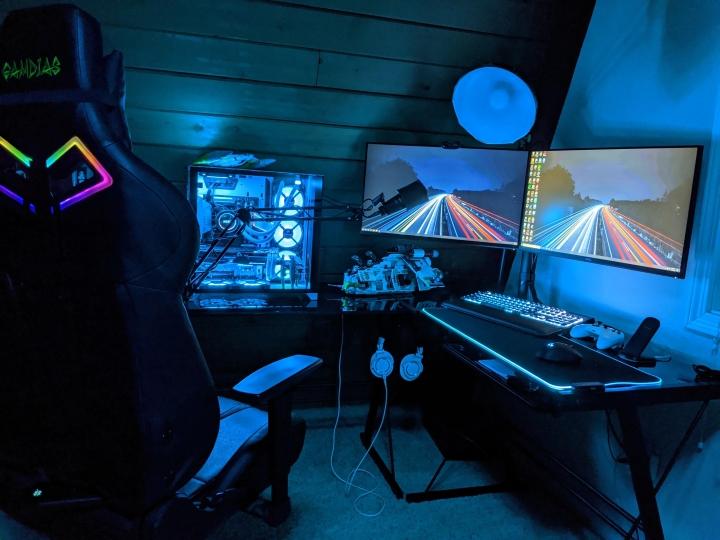 Show_Your_PC_Desk_Part191_46.jpg