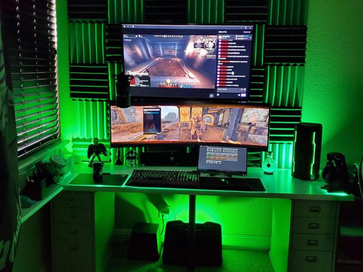 Show_Your_PC_Desk_UltlaWideMonitor51_04.jpg