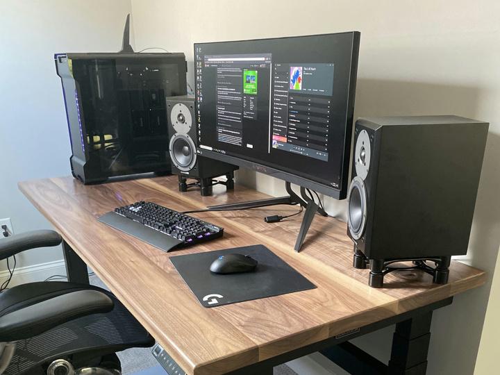 Show_Your_PC_Desk_UltlaWideMonitor51_05.jpg