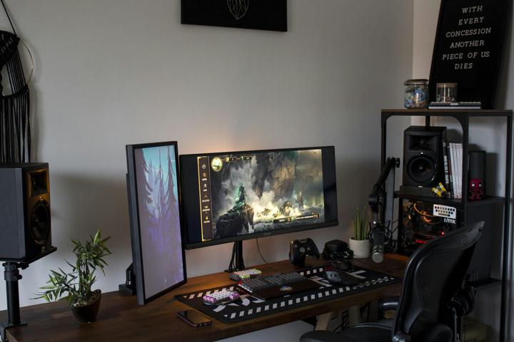 Show_Your_PC_Desk_UltlaWideMonitor51_07.jpg