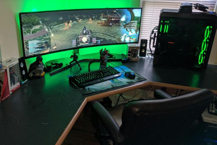 Show_Your_PC_Desk_UltlaWideMonitor51_09.jpg