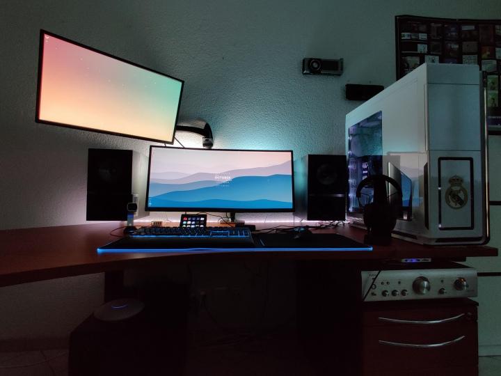 Show_Your_PC_Desk_UltlaWideMonitor51_100.jpg