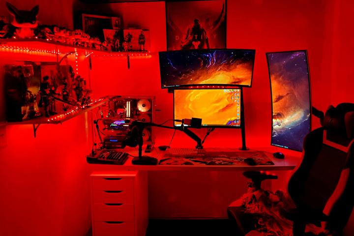 Show_Your_PC_Desk_UltlaWideMonitor51_11.jpg