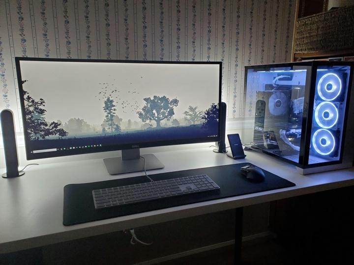 Show_Your_PC_Desk_UltlaWideMonitor51_20.jpg