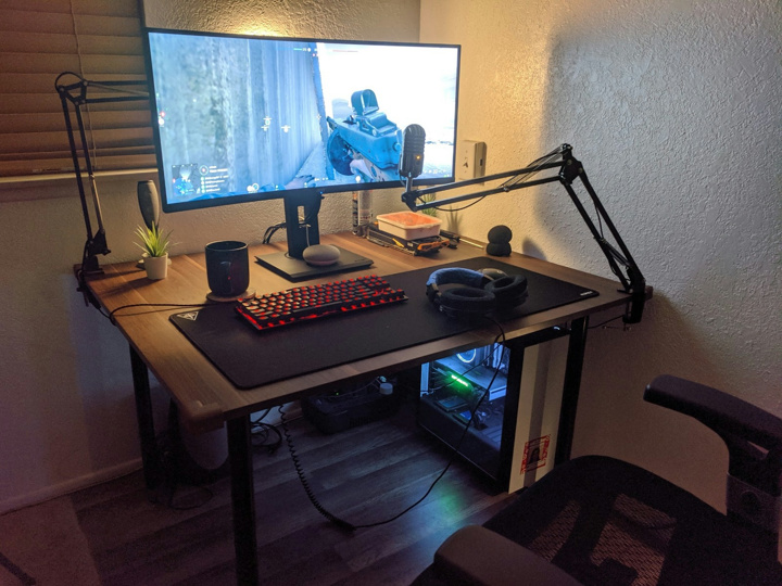 Show_Your_PC_Desk_UltlaWideMonitor51_25.jpg