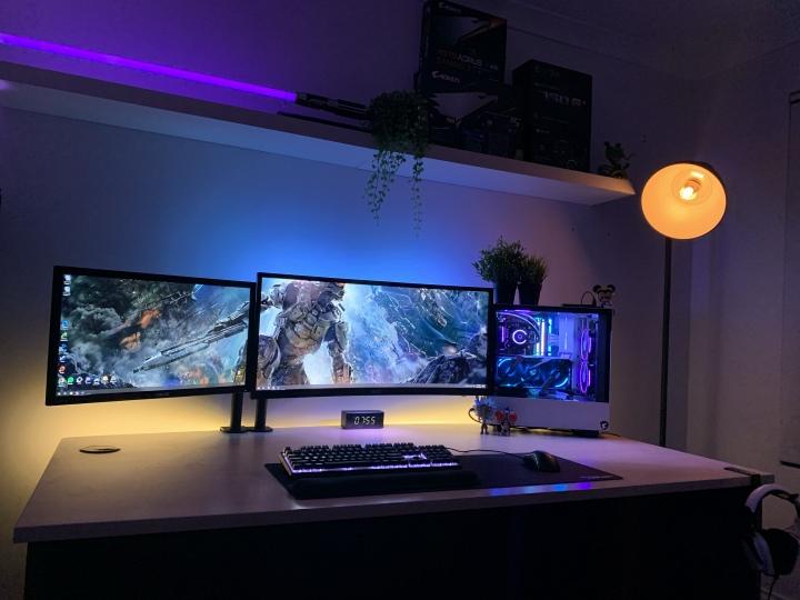 Show_Your_PC_Desk_UltlaWideMonitor51_26.jpg