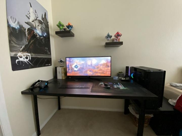 Show_Your_PC_Desk_UltlaWideMonitor51_32.jpg