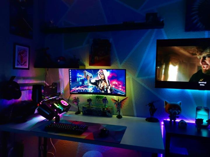 Show_Your_PC_Desk_UltlaWideMonitor51_34.jpg
