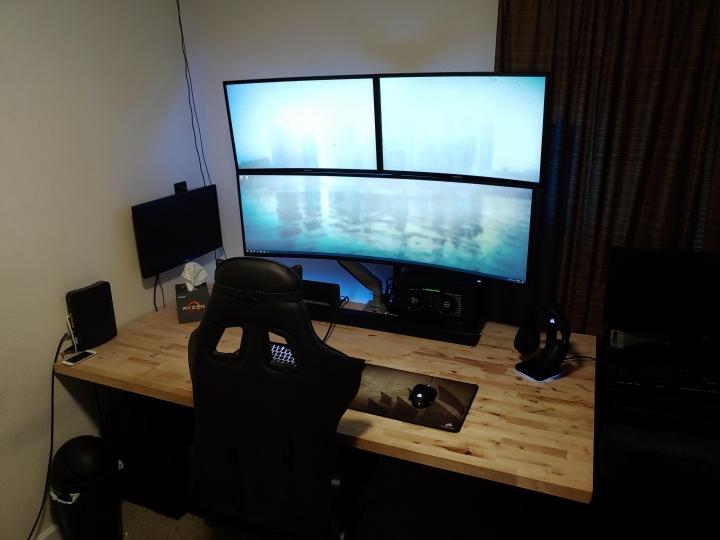 Show_Your_PC_Desk_UltlaWideMonitor51_36.jpg