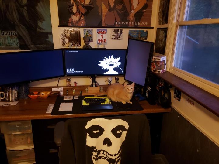 Show_Your_PC_Desk_UltlaWideMonitor51_37.jpg