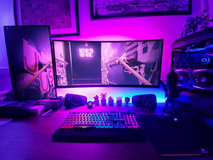 Show_Your_PC_Desk_UltlaWideMonitor51_42.jpg