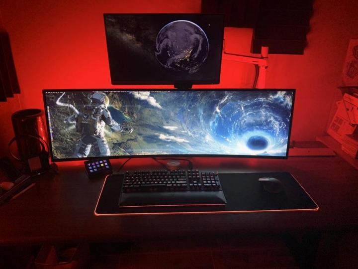 Show_Your_PC_Desk_UltlaWideMonitor51_46.jpg