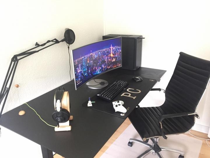 Show_Your_PC_Desk_UltlaWideMonitor51_48.jpg