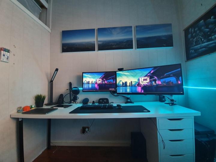 Show_Your_PC_Desk_UltlaWideMonitor51_49.jpg