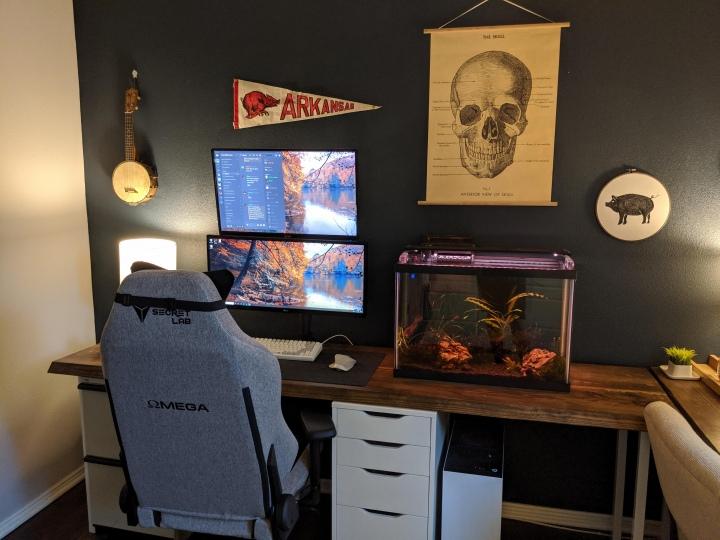 Show_Your_PC_Desk_UltlaWideMonitor51_56.jpg