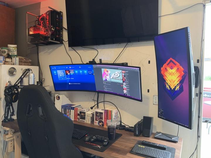 Show_Your_PC_Desk_UltlaWideMonitor51_60.jpg