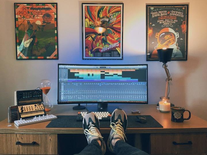 Show_Your_PC_Desk_UltlaWideMonitor51_61.jpg