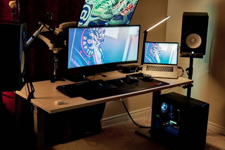 Show_Your_PC_Desk_UltlaWideMonitor51_64.jpg