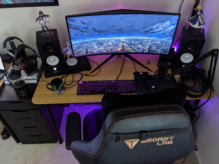 Show_Your_PC_Desk_UltlaWideMonitor51_66.jpg