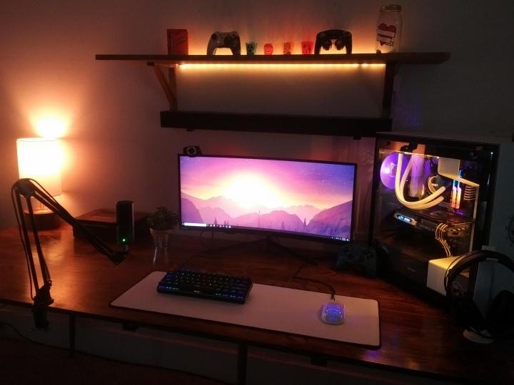 Show_Your_PC_Desk_UltlaWideMonitor51_70.jpg
