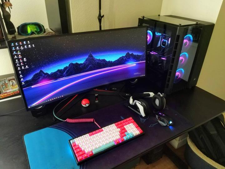 Show_Your_PC_Desk_UltlaWideMonitor51_78.jpg