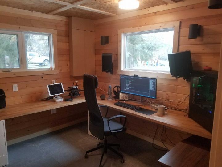 Show_Your_PC_Desk_UltlaWideMonitor51_84.jpg