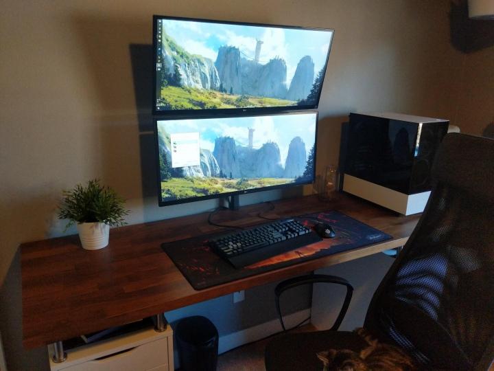 Show_Your_PC_Desk_UltlaWideMonitor51_87.jpg