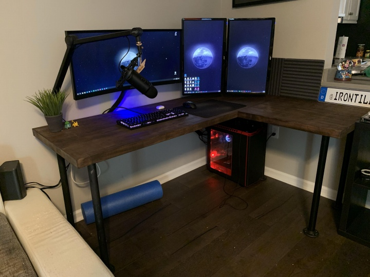 Show_Your_PC_Desk_UltlaWideMonitor51_90.jpg