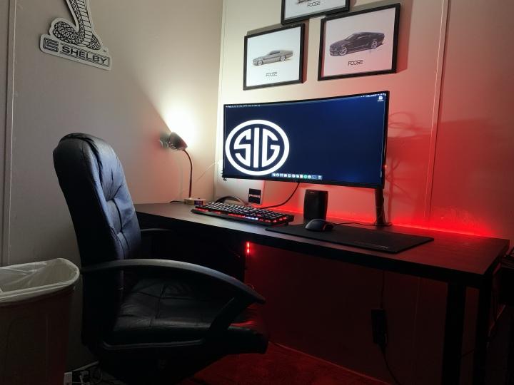 Show_Your_PC_Desk_UltlaWideMonitor51_91.jpg