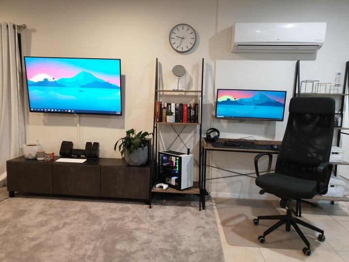 Show_Your_PC_Desk_UltlaWideMonitor51_92.jpg