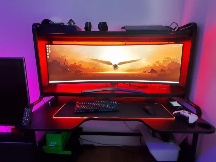 Show_Your_PC_Desk_UltlaWideMonitor51_93.jpg