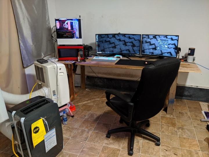 Show_Your_PC_Desk_UltlaWideMonitor51_94.jpg