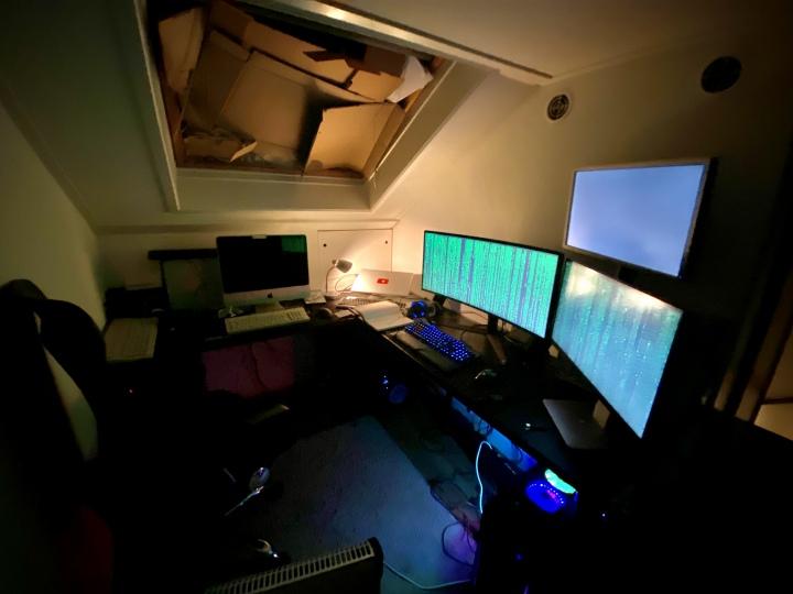 Show_Your_PC_Desk_UltlaWideMonitor51_98.jpg