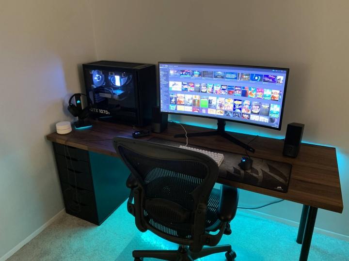 Show_Your_PC_Desk_UltlaWideMonitor52_03.jpg