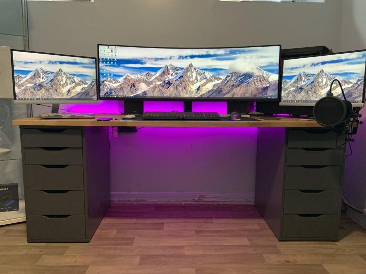 Show_Your_PC_Desk_UltlaWideMonitor52_10.jpg