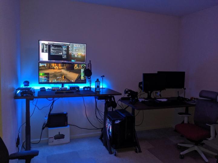 Show_Your_PC_Desk_UltlaWideMonitor52_16.jpg